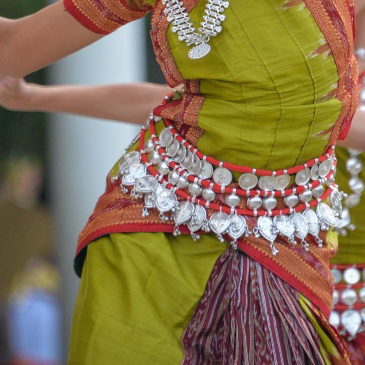 女性らしい民族舞踊のベリーダンス